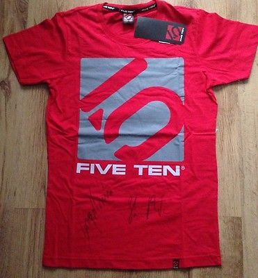 Five Ten 5:10 T-Shirt Signed by Steve Peat & Greg Minnaar